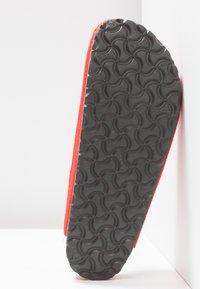 Birkenstock - AMSTERDAM - Domácí obuv - red - 6