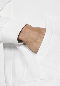 Nike Sportswear - CLUB HOODIE - Luvtröja - white - 4