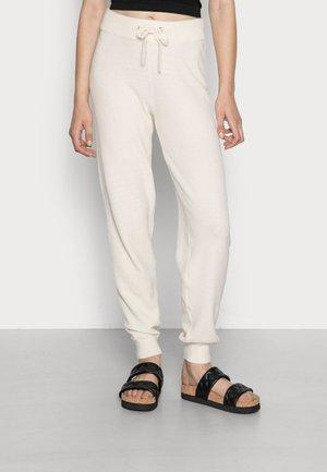 VMCARDI PANTS - Spodnie materiałowe - birch melange