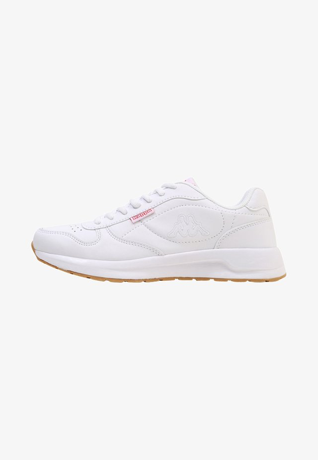 BASE II - Zapatillas para caminar - white