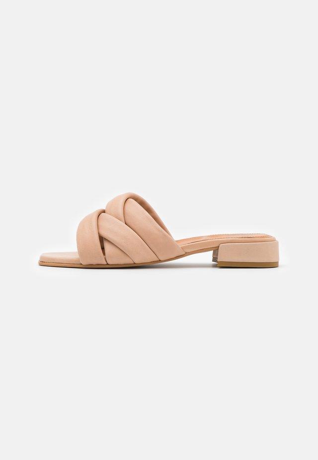 ELIA - Pantofle - nude