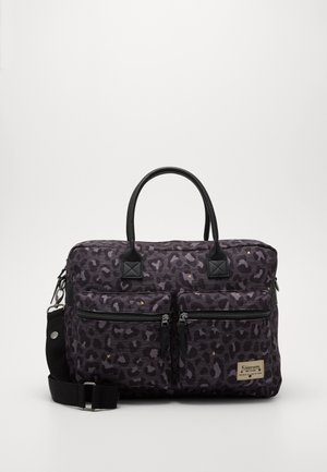 DIAPER BAG KIDZROOM CARE LEOPARD LOVE - Luiertas - black
