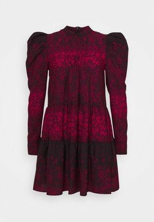 TIERED MINI CHUNK ON - Robe d'été - red