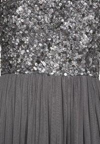 Lace & Beads - PICASSO MAXI - Společenské šaty - charcaol - 4
