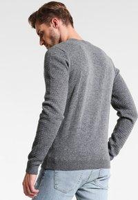 Pier One - Stickad tröja - mottled grey - 2