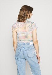 Jaded London - HIGH NECK CAP SLEEVE BODY - Print T-shirt - washed hawaiian - 2