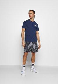 adidas Performance - Print T-shirt - crenav/white - 1
