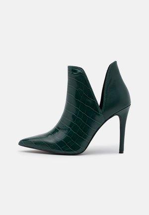 ANALESE - High heeled ankle boots - green