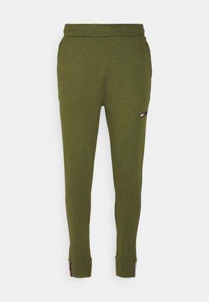 LOGO PANT - Pantalon de survêtement - putting green