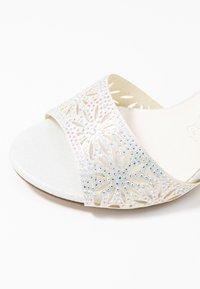 Menbur - Sandaletter - ivory - 2