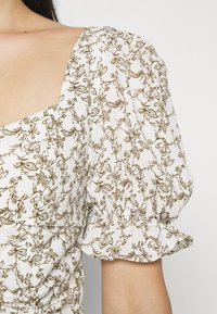 Glamorous - RUCHED BLOUSES WITH FRONT TIE DETAILS - Blusa - white - 4