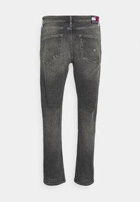 Tommy Jeans - DAD REGULAR - Straight leg jeans - denim - 7