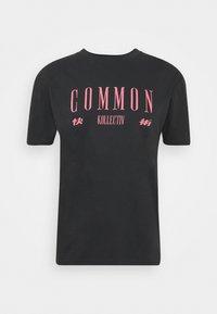 Common Kollectiv - ROSE TEE UNISEX  - Print T-shirt - washed black - 5