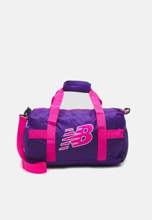 KIDS CORE PERFORMANCE BACKPACK UNISEX - Sportovní taška - prism purple