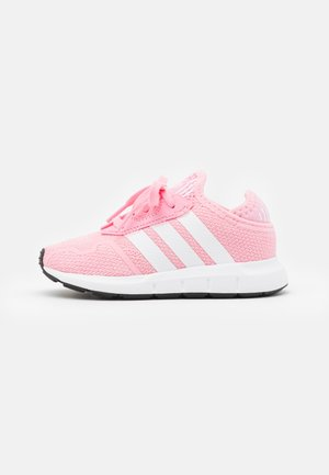 SWIFT RUN UNISEX - Sneakers laag - light pink/footwear white/core black