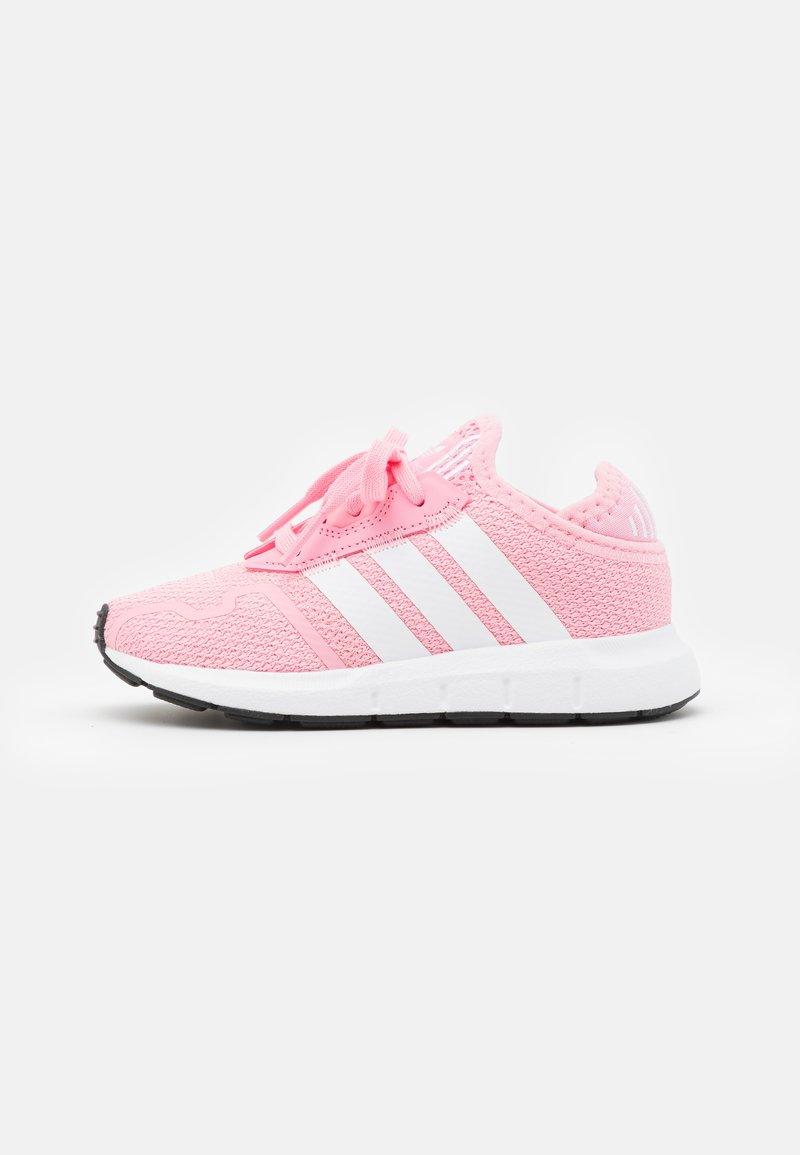 adidas Originals - SWIFT RUN UNISEX - Trainers - light pink/footwear white/core black