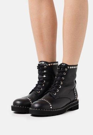 MILA LIFT STUDS BOOTIE - Šněrovací kotníkové boty - black