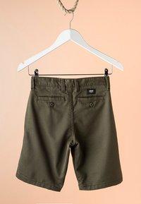Vans - BY AUTHENTIC STRETCH SHORT BOYS - Shorts - grape leaf - 1