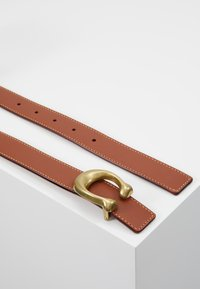 Coach - SCULPTED REVERSIBLE BELT - Belte - saddle red - 2