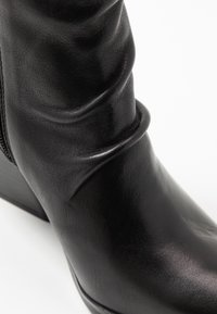 Felmini - MARGARET - Cowboy/biker ankle boot - belga black - 2
