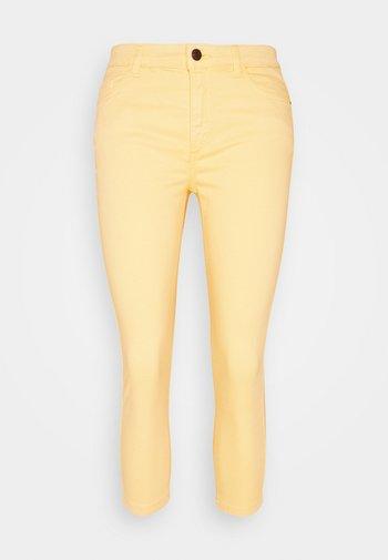 MR CAPRI - Trousers - sunflower yellow