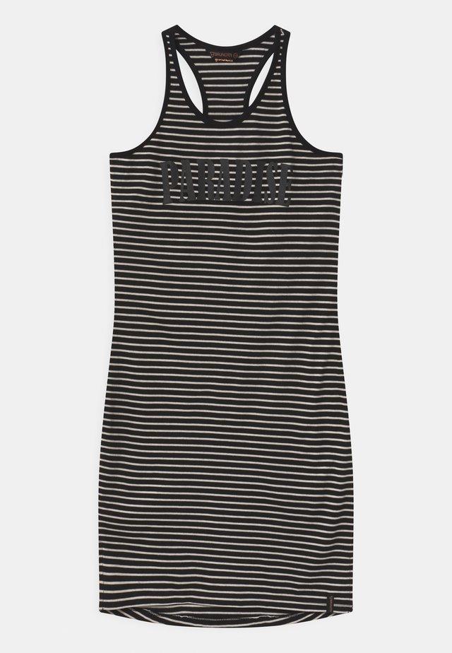 FERNBY - Sportovní šaty - black