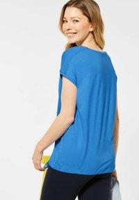 Cecil - MIT SMOK-DETAILS - Basic T-shirt - blau - 2