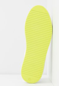 DKNY - BINDA LACE UP - Trainers - white - 6