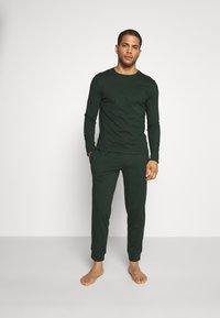 Pier One - Pyjama set - dark green - 1
