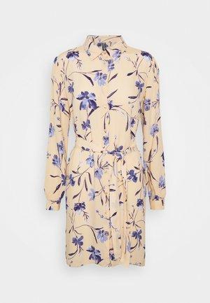PCLILLIAN DRESS - Shirt dress - apricot cream