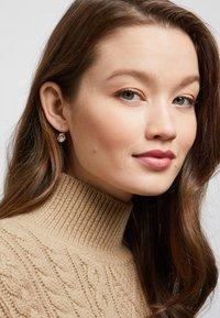 Swarovski - BELLA - Boucles d'oreilles - rose gold-coloured/transparent - 0