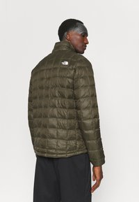 The North Face - THERMOBALL ECO JACKET 2.0 - Vinterjacka - new taupe green - 2