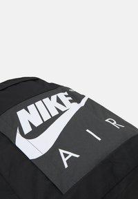 Nike Sportswear - UNISEX - Ryggsekk - black/anthracite/white - 4