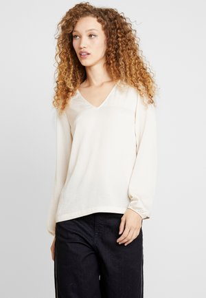 VMSANDRA LACE V-NECK TOP  - Blouse - birch