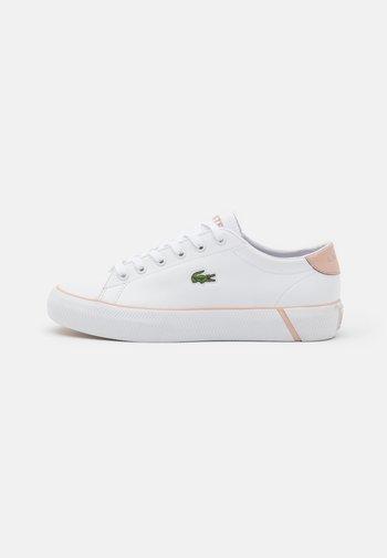 GRIPSHOT - Matalavartiset tennarit - white/light pink