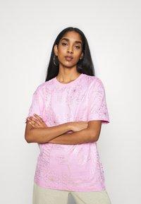 Nike Sportswear - TEE ICON CLASH - T-shirt imprimé - arctic pink - 0