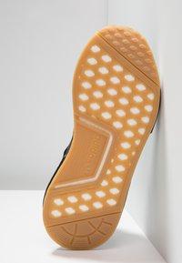adidas Originals - NMD_R1 - Joggesko - core black - 4