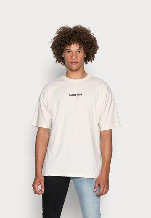 BASIC - Print T-shirt - beige