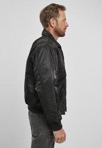 Brandit - Lehká bunda - black - 4