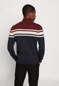 Burton Menswear London - YOKE HALF ZIP - Trui - purple - 2