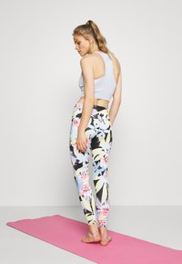 Onzie - HIGH BASIC MIDI - Leggings - kiku - 2