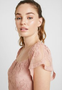 Honey Punch - OFF SHOULDER BARDOT DRESS - Maxi dress - blush