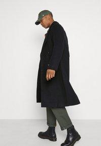 Mennace - TAILORED COAT - Classic coat - navy - 3
