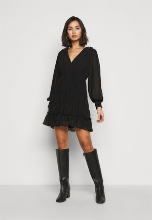 OBJGILA SMOCK DRESS - Day dress - black