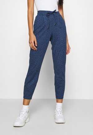 RIZETTA CROP PANTS - Tracksuit bottoms - ensign blue