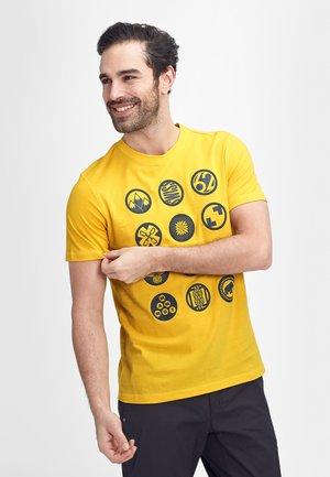 MASSONE - T-shirt z nadrukiem - freesia