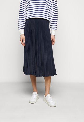 Pleated skirt - cruise navy