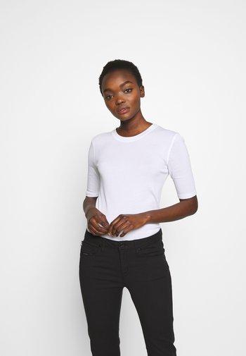 WOMENS - Basic T-shirt - white
