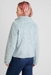 Vero Moda - VMVIRIGINIATEDDY HIGH NECK - Zimní bunda - slate - 2