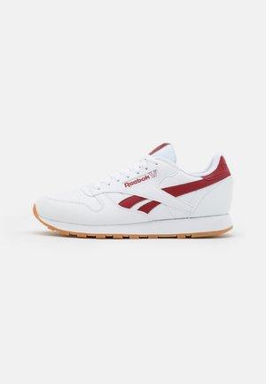 CL VEGAN UNISEX - Tenisky - footwear white/red ember